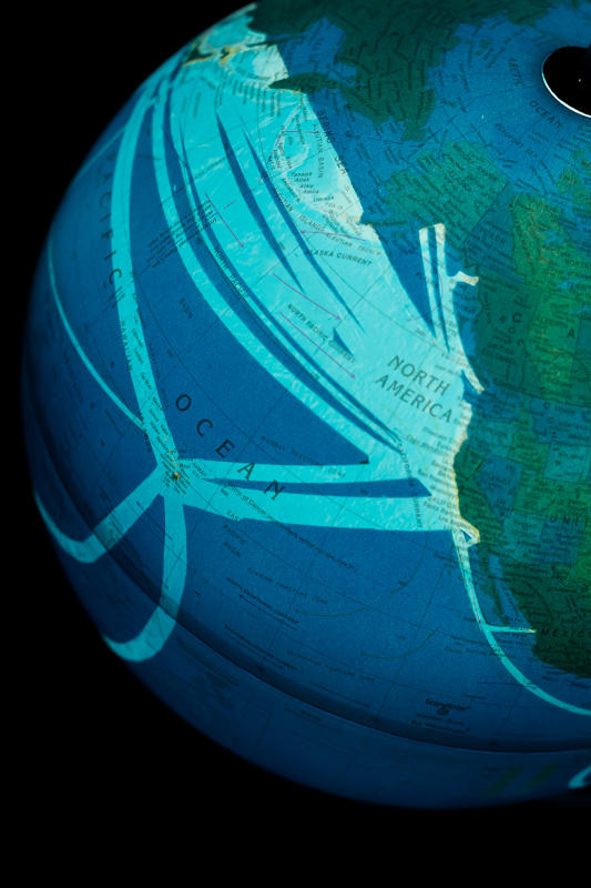 Visualization of global fibre optic cables