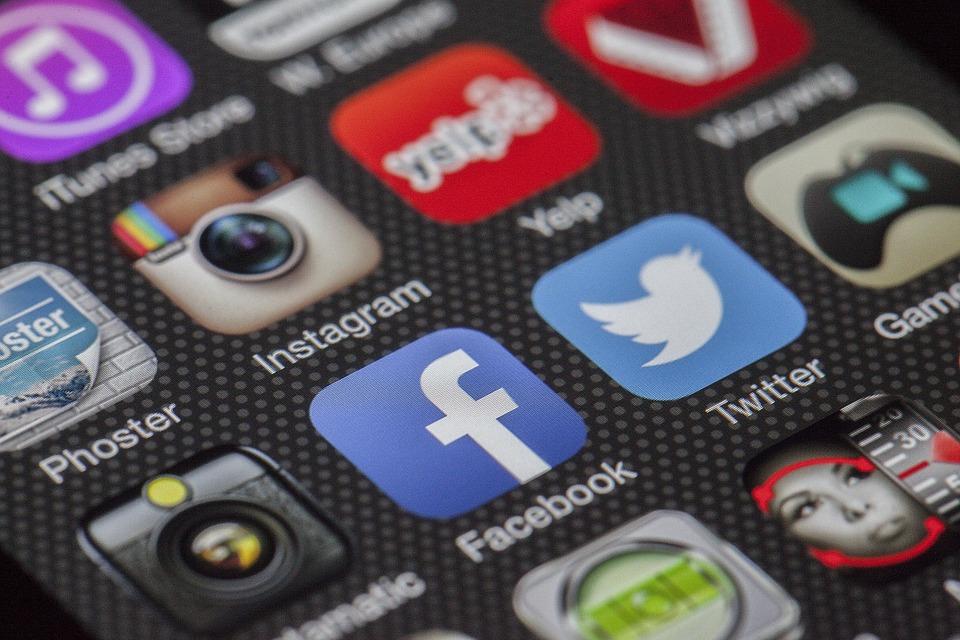 ITGS practice question - social media